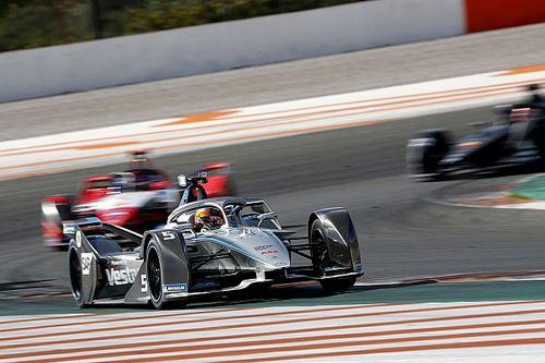 Фрейнс стал лидером второго дня тестов Формулы Е, Вандорн выиграл тестовую гонку