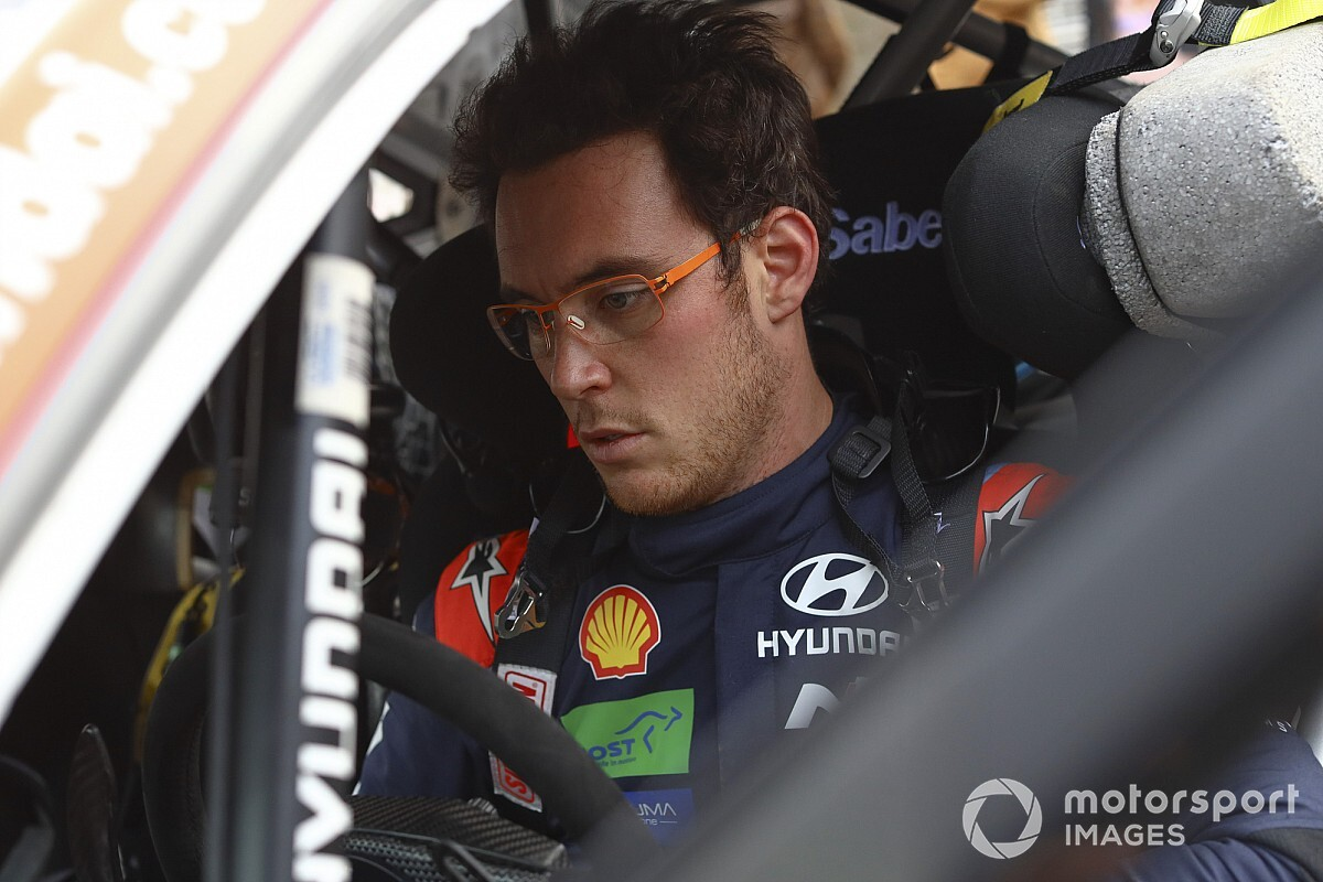 WRC: Neuville spiega la dinamica del brutto incidente nei test