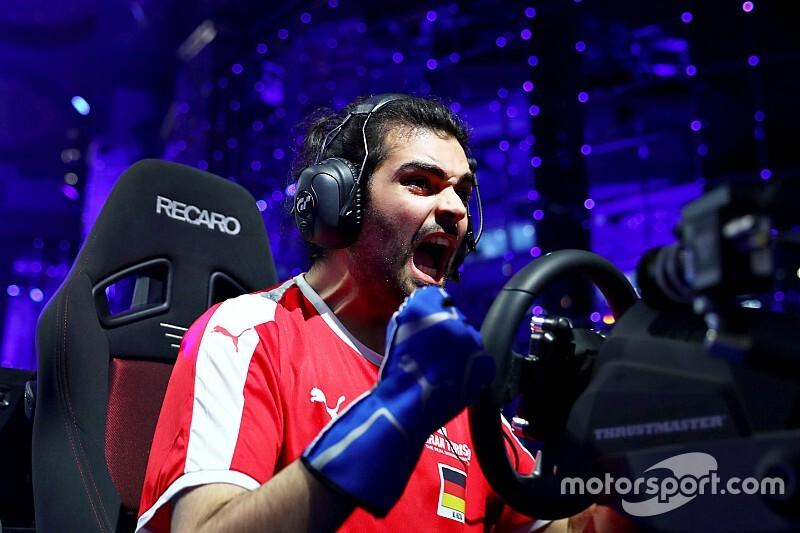 Verstappen resalta el talento de un videojugador