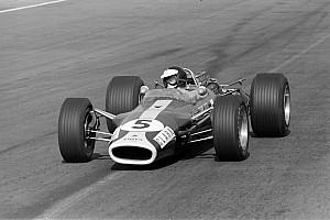 Eladóvá vált a Forma-1 történetének egyik legkülönlegesebb autója: Lotus 49
