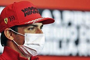 Sainz elmondta, hányasra értékeli a teljesítményét a Ferrarinál