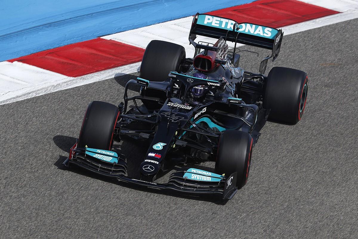 "Mercedes faces ""tricky"" decision over 2021 vs 2022 split"