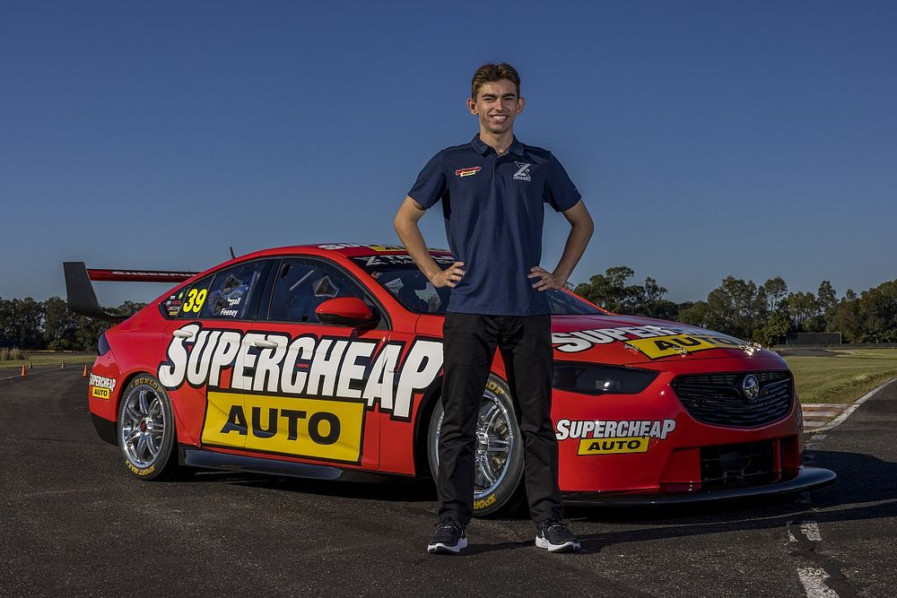 Feeney 'blocking out' Whincup speculation