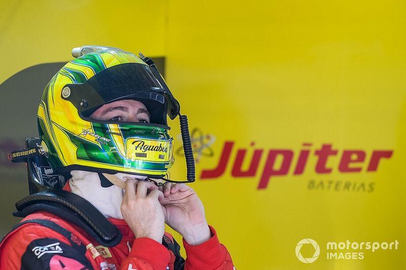 Gabriel Casagrande chega em primeiro na corrida de abertura do 10º GT Sprint Race