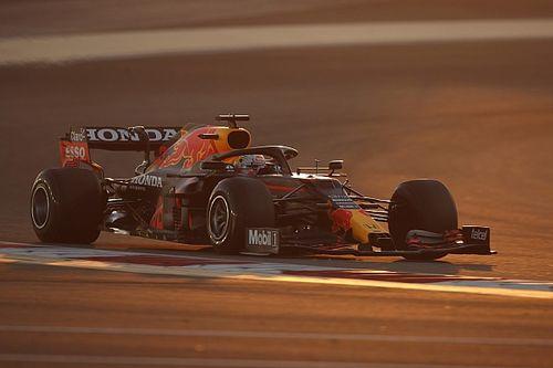 Ферстаппен стал лучшим на обеих пятничных тренировках Формулы 1 в Бахрейне