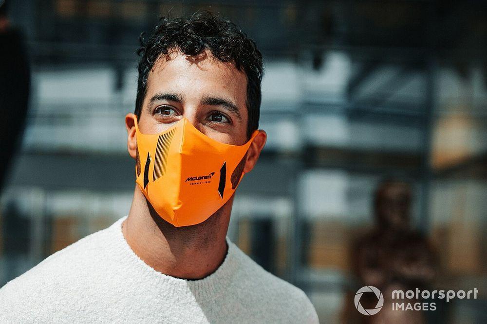"""Ricciardo: """"Ho firmato per tre anni con la McLaren"""""""