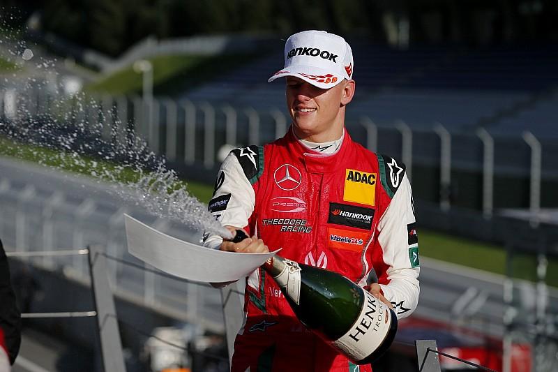 Mercedes, Schumacher'i tebrik etti