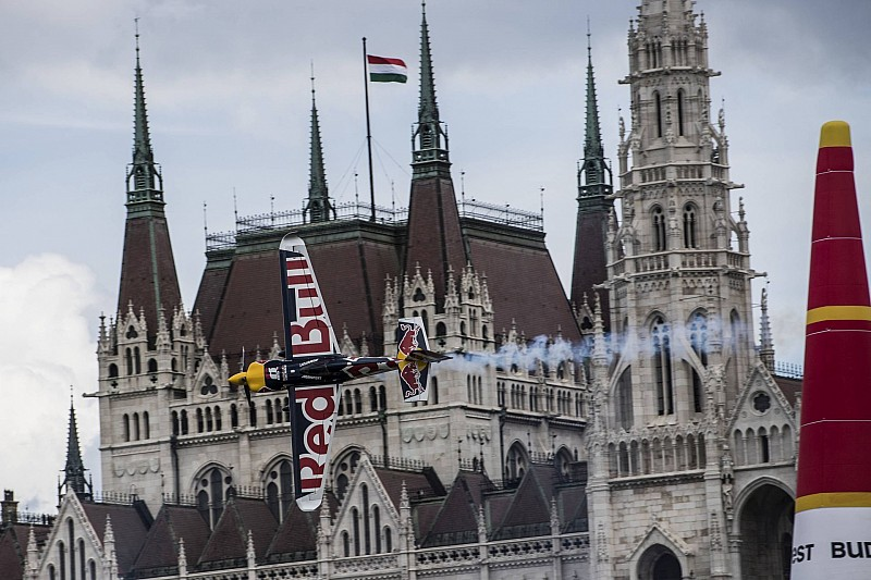 Újabb pályarekordok dőltek meg a Red Bull Air Race budapesti futamán