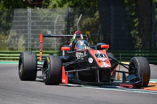 F2000 Italian Trophy: Alessandro Bracalente domina Gara 1 ad Imola