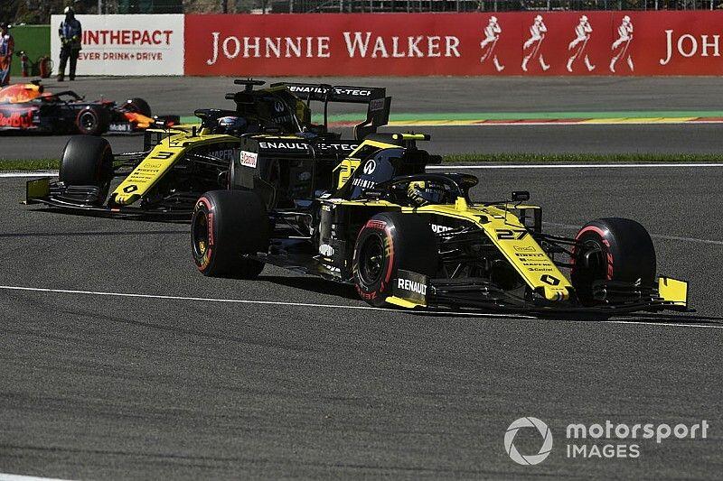 Le Renault e Sainz tornano alla Spec B della power unit