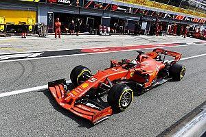 Videón, ahogy Vettel azonnal odamegy Strollhoz Monzában