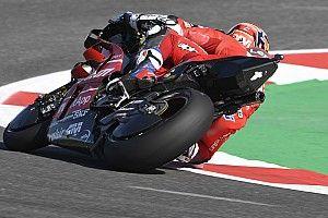 Пилотов Ducati тормозит нехватка зацепа в Мизано