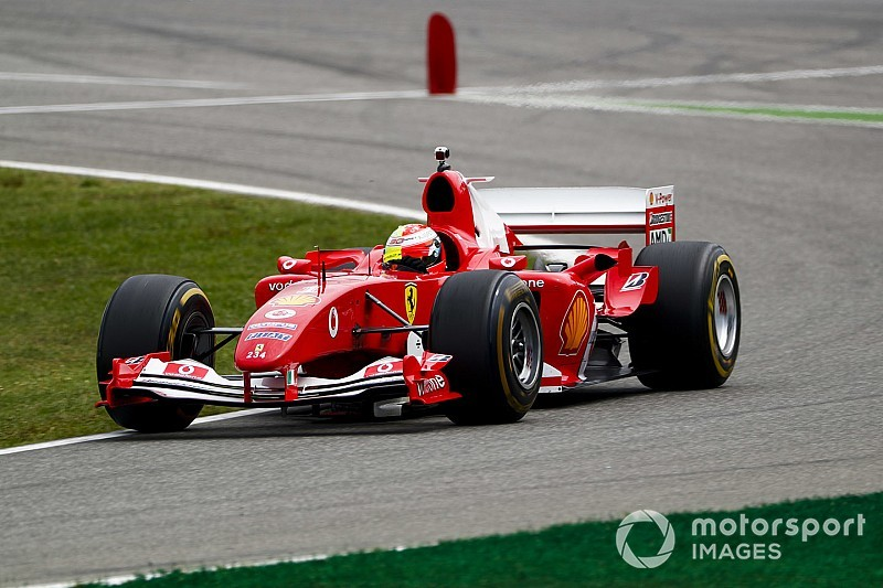Fotos: la exhibición de Mick Schumacher con el F2004 de su padre