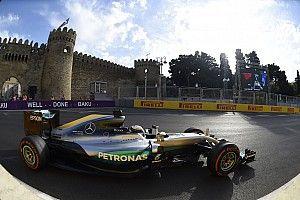 Mercedes relativise l'importance du temps perdu, Hamilton sceptique
