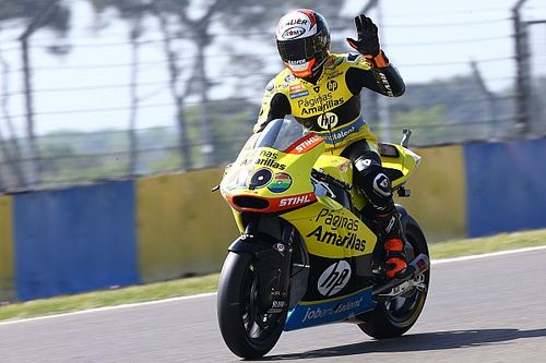 Le Mans Moto2: Rins holds off Corsi for win
