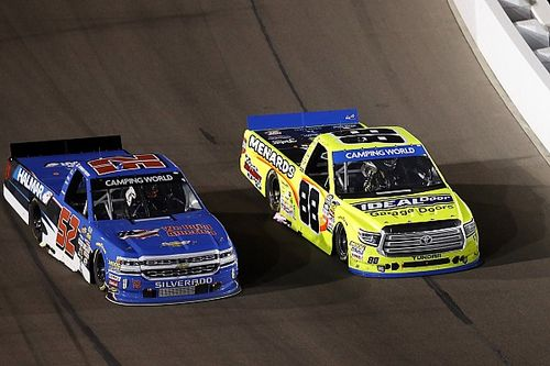 Stewart Friesen leads trio of Canadian drivers at Phoenix