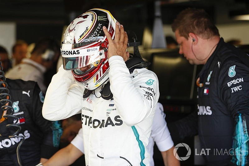"""Hamilton spurred on by """"openly critical"""" Mercedes debriefs"""
