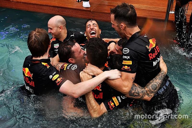 ÉLŐ F1-ES MŰSOR: Ricciardo a hős, Verstappen mélyen, Vettel tapad Hamiltonra (LIVE)