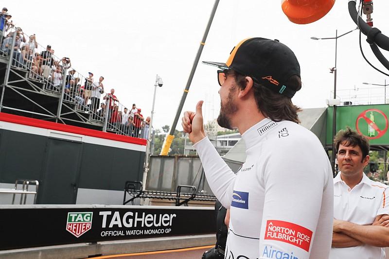Así son los botines conmemorativos de Alonso por su 300º Gran Premio