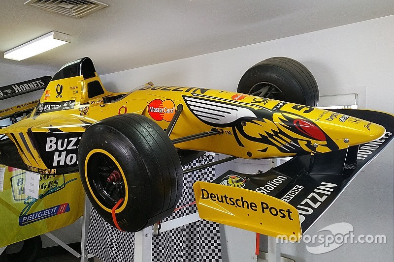 A Jordan F1 show car for sale in Québec