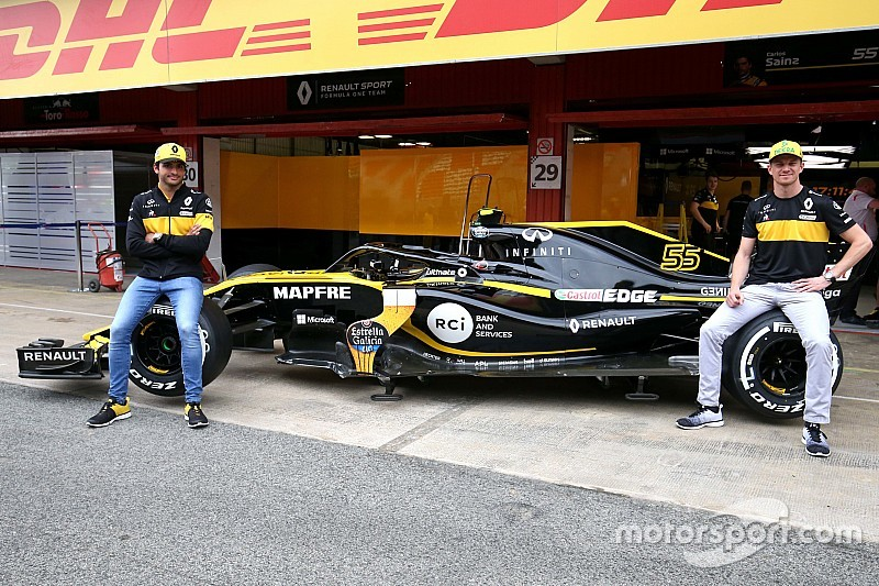 La nueva decoración del Renault de F1: una caña de cerveza