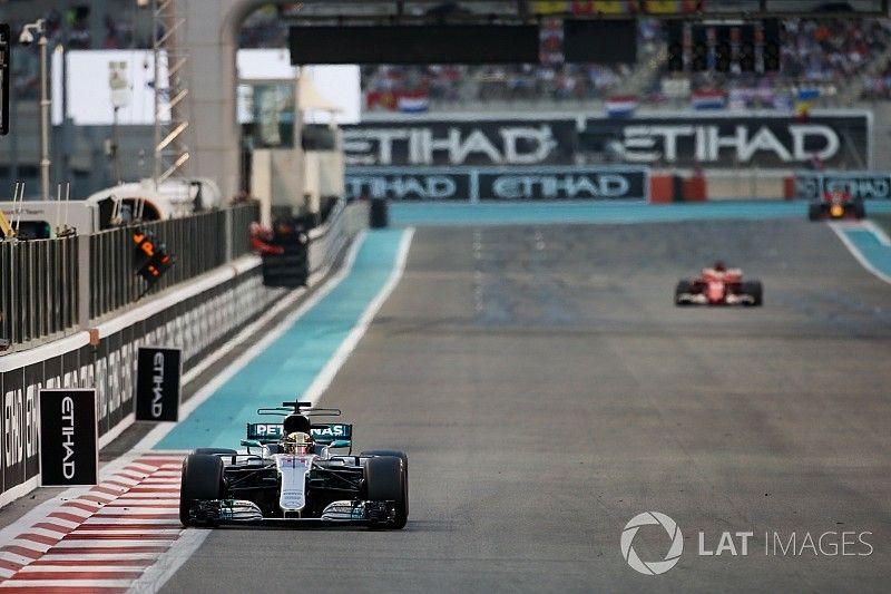 Mercedes: voorsprong op Ferrari in Abu Dhabi nietszeggend