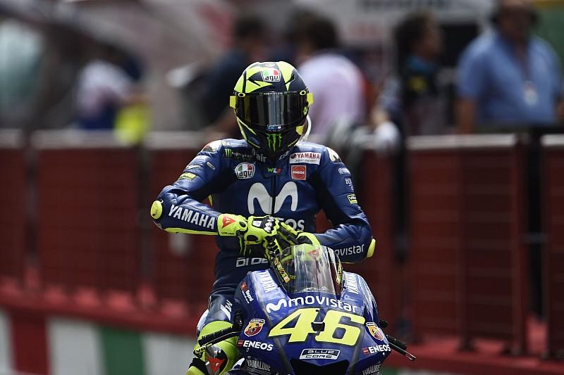 Barcellona, Libere 1: Valentino sfrutta la gomma soft e svetta davanti alle due Ducati