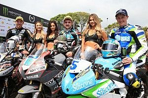 Isle of Man TT: Dunlop gets 17th win, Hickman his first