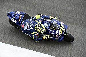 Росси показал лучшее время первой тренировки Гран При Каталонии