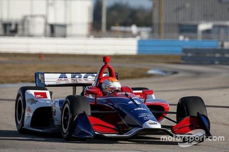Leist aprova primeiro contato com carro da IndyCar de 2018