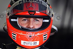 Schumachert egy sör mellett győzködte a Mercedes a visszatérésről