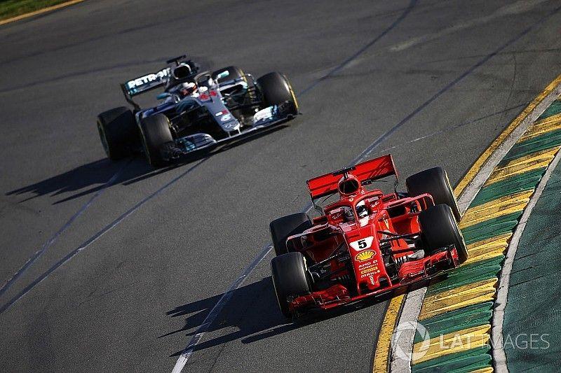 Hamilton diz que parou de atacar Vettel para poupar motor