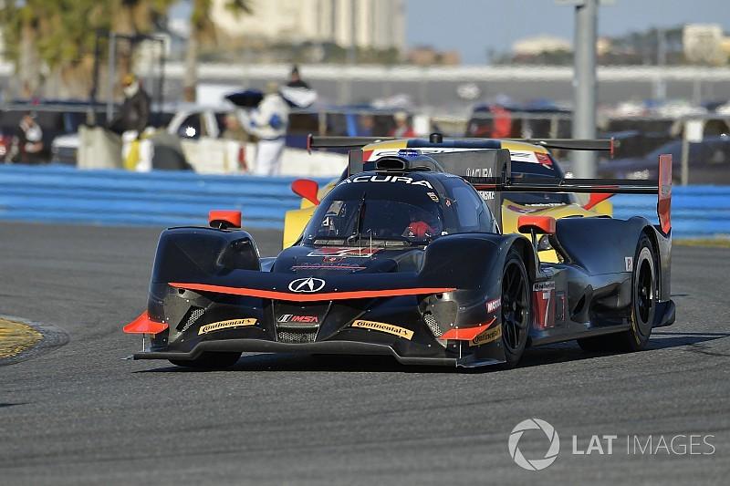 Daytona EL2 - Acura se porte en tête