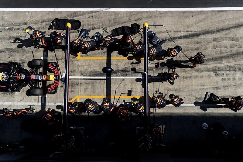 A bokszban is tarolt a Red Bull: 2.18 másodperces kerékcsere