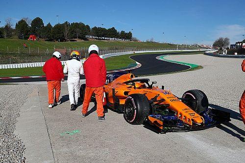 A McLaren turbóprobléma miatt vesztegelt a garázsban