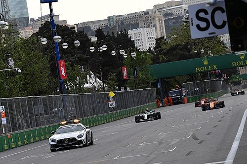 Ironi Red Bull dan Safety Car di GP Azerbaijan