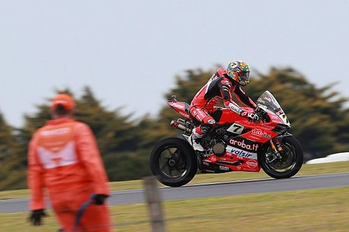 "Clamoroso: ""Flag to flag"" obbligatorio in Gara 2 a Phillip Island"