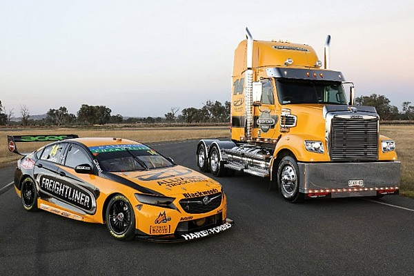 Slade Commodore goes yellow for 2018