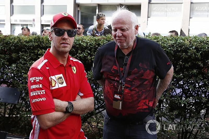 Vettel sufre un ligero accidente en la exhibición en Milán