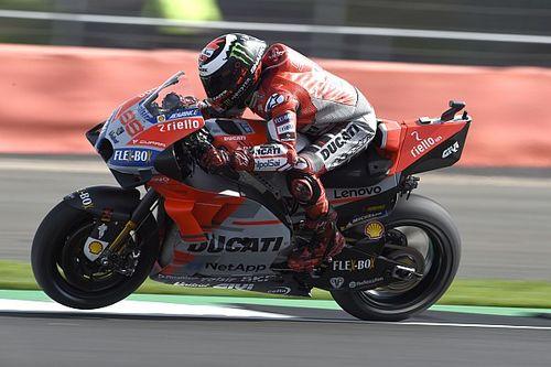 Lorenzo é pole em quali 'interminável' em Silverstone
