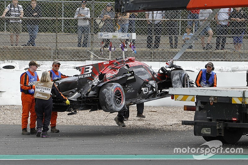 """Após acidente de Senna, equipe entra em """"modo de sobrevivência"""""""