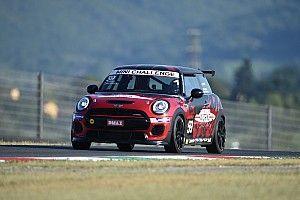 Fotogallery: Motorsport.com in gara nel MINI Challenge al Mugello con Matteo Nugnes