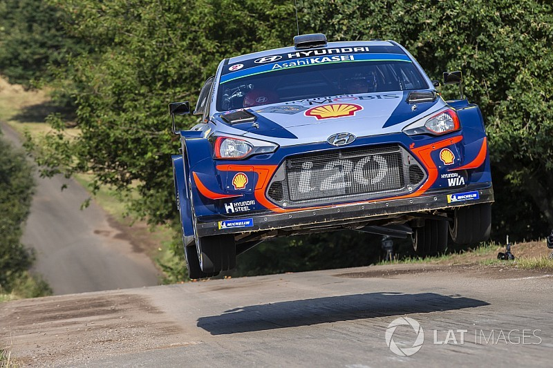 Neuville extends Hyundai WRC contract