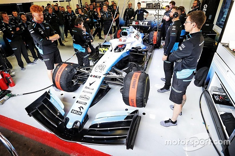Машина Williams уперше виїхала на трасу на тестах в Барселоні