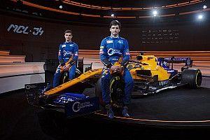 У гонщиков McLaren сменилась форма: теперь она синяя