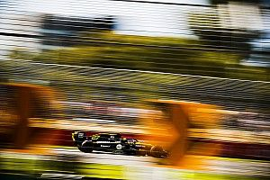 Хюлькенберг объяснил проблемы Renault в первой тренировке