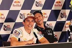 """Márquez: """"Nos dimos la mano con Rossi porque se dio, era el momento justo"""""""