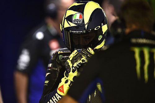 Video: sulla Yamaha di Valentino Rossi si rompe la catena nella FP1 di Le Mans