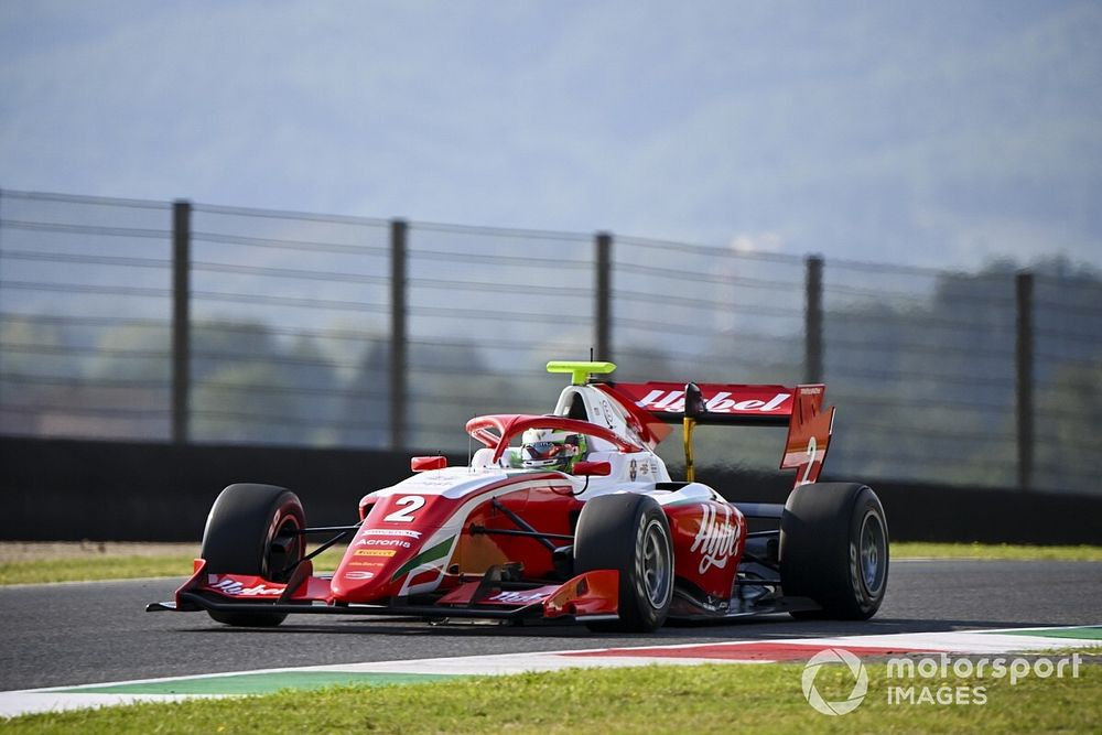 فورمولا 3: فيستي يتجاوز هيوز في اللفة الأخيرة ويفوز في موجيللو