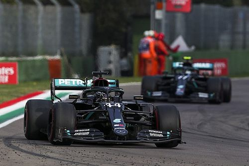 Mercedes heeft 'geen illusies' na overwinning in Bahrein